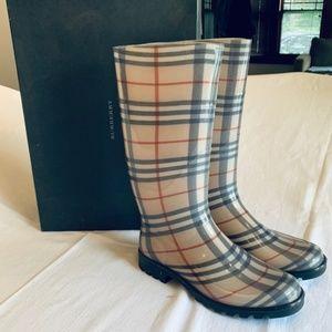 Burberry Shlea Rain Boots Sz9
